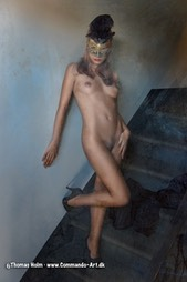 Anonymous nude on a staircase, Eyes wide shut style, Photo / Foto: Thomas Holm